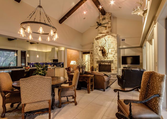 custom ranch style country home interior decor in austin texas - Texas Style Decorating