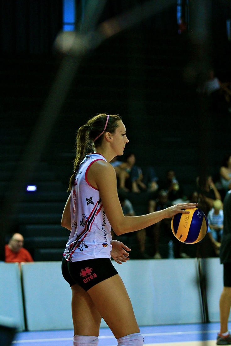 Great picture of Marisa Field getting ready to serve for her team Istres. Photo courtesy of Pascal Mistral Photography