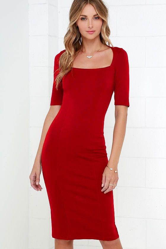 Красное платье футляр с рукавом