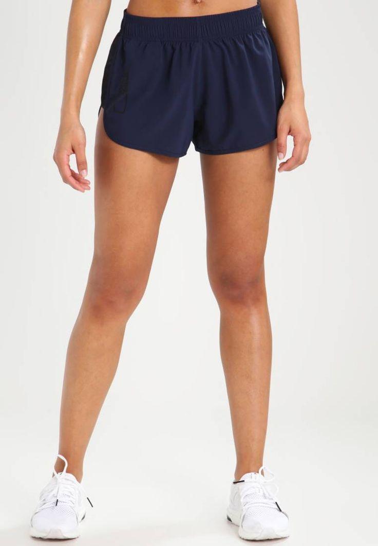 Zalando Sports. Korte broeken - navy blazer. Materiaal buitenlaag:98% polyester, 2% elastaan. tailleband:elastisch,verstelbaar. binnenbeenlengte:7 cm bij maat M. zakken:veiligheidszak. heuphoogte:normaal. Lichaamslengte model:Ons model is 175...