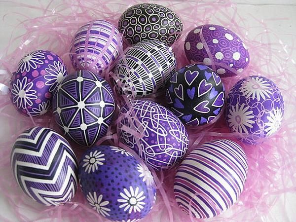 Easter egg designs to dye for!  http://greatideas.people.com/2014/04/08/easter-eggs-creative-decorating-dyeing/