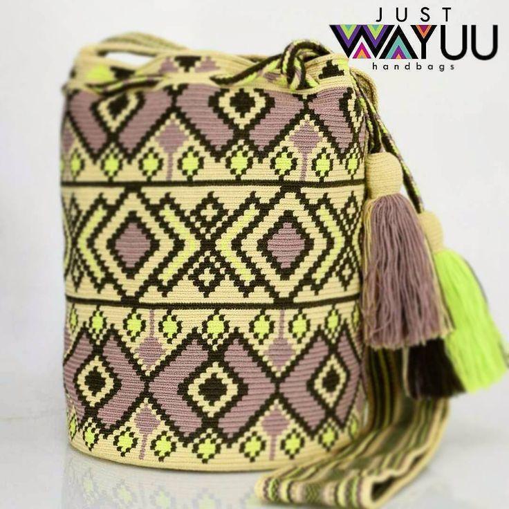 303 отметок «Нравится», 2 комментариев — Just Wayuu (@just.wayuu) в Instagram: «Handcrafted handbags made by indigenous wayuu in the north of Colombia. Worldwide shipping – envíos…»