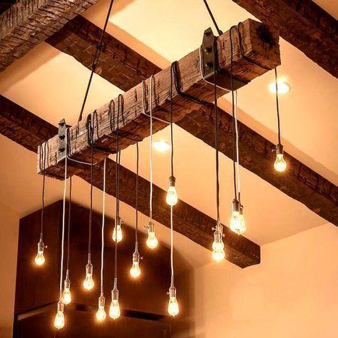 Reclaimed Wood Beam Chandelier mit eisernen Klammern – #Beam #brackets #Chandelier #Iron #Reclaimed
