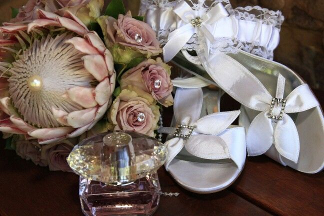 Bouquet,  shoes,  garter, Versace perfume