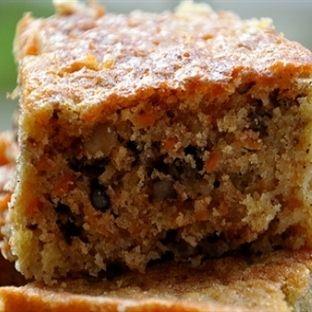 Çayın yanına mis kokulu bir kek tarifi Elmalı Tarçınlı Kek  Malzeme Listesi 4 yumurta 1,5 su bardağı şeker 1 su bardağı süt 1 su bardağı elma suyu 1 su bard