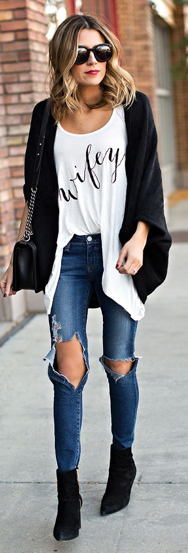 White And Black 'wifey' Printed Oversize Tee by Hello Fashion