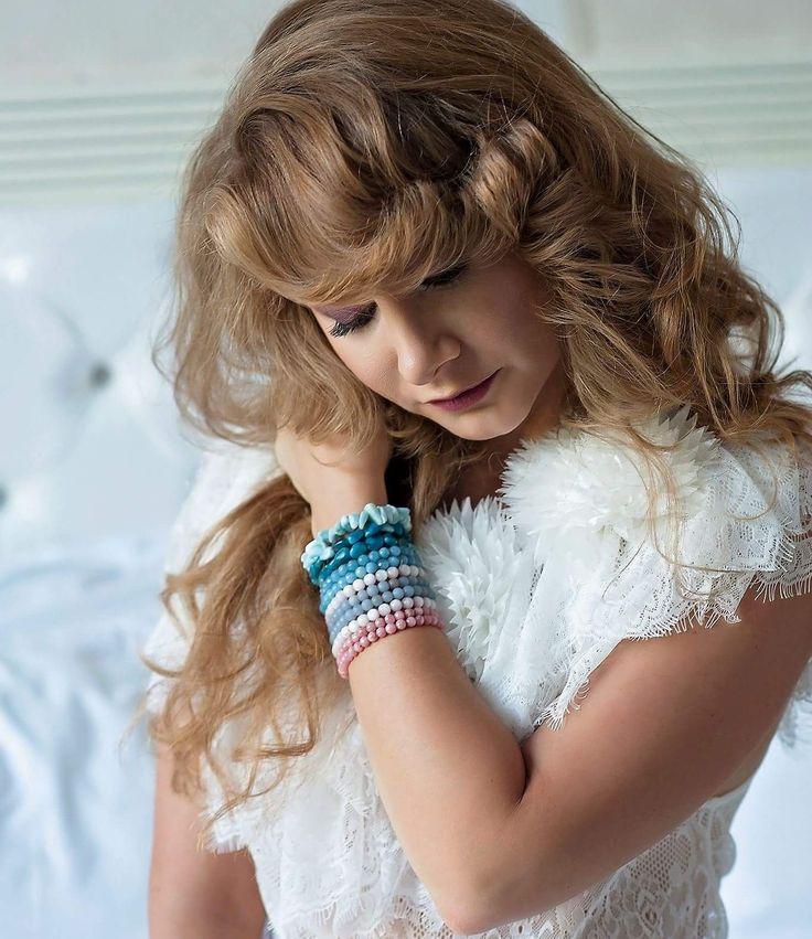 Livada cu rochii  White lace dress  Curls  Pure Joy  Cozy