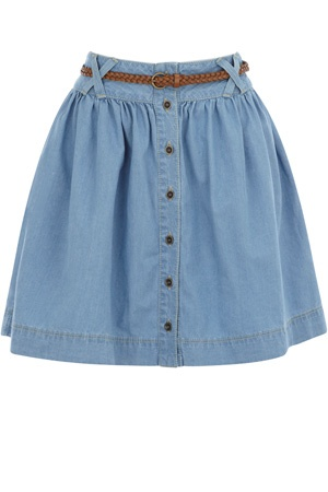 This chambray denim skirt has button through detailing down the front and a full body. With a belt fastening to the fitted waist, this is perfect teamed with a simple vest for summer.