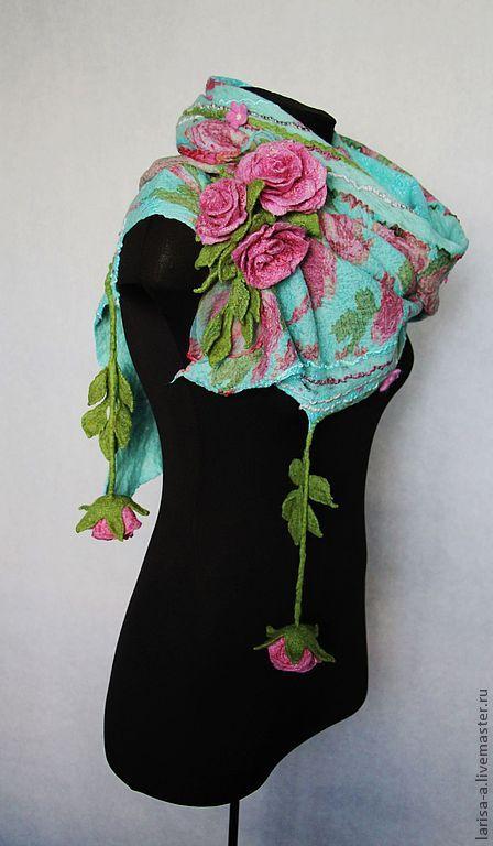 Купить или заказать Валяный шарф ' Утренние розы'. в интернет-магазине на Ярмарке Мастеров. Невероятно нежный, красивый шарф на флористическую тему. Шарф свален с применением элитной шерсти - мерино и натурального шелка. Этот шарф прекрасно подчеркнёт Вашу индивидуальность. Если вы желаете получать сообщения о новых поступлениях в магазинчике на свой электронный адрес, то нажмите ДОБАВИТЬ В …