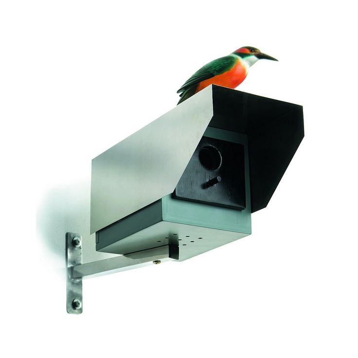 This birdhouse - Big Brother - secures your privacy and our feathered friends at the same time - in the gardens and everywhere!