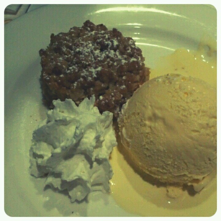 Apple crumble and vanilla ice cream | sweetness | Pinterest