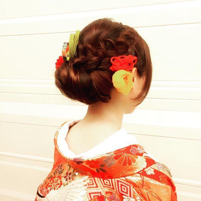 #髪型 #bridal#BRIDAL#bridalhair#和装#和装ヘア#和装ヘアアレンジ #bridalphoto#和#色打掛#赤 #hair#ヘアメーク#ヘアアレンジ #ヘアードは#帯締めと#造花 #編み込み#wedding#weddingphoto#WEDDING