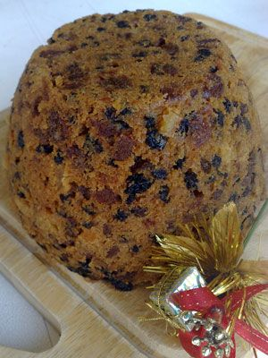 The only way to make a Christmas Pudding is in the slow cooker.  This recipe shows how easy it is and the end result is superb.