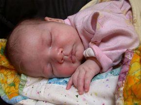 5 canciones para dormir al bebé 5 canciones para dormir al bebé. Selección de nanas o canciones de cuna: Arroró mi niño, Para dormir a un elefente, Tolín Tolan, Ea la nana y A dormir mi niña.