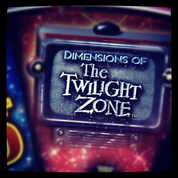 Twilight Zone Slots - IGT s Twilight Zone Progressive Game
