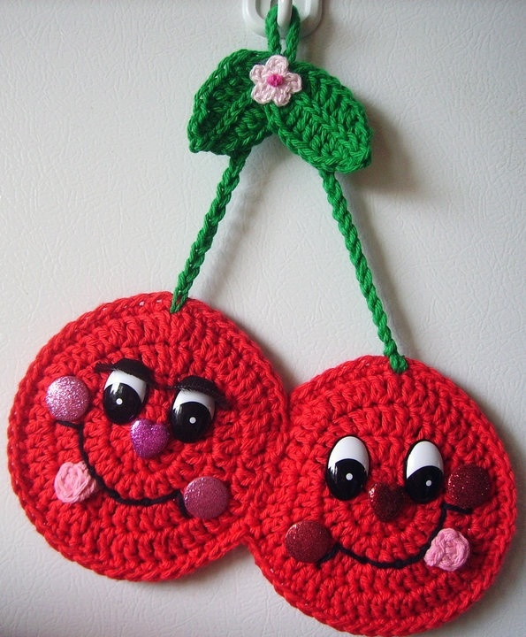 crochet happy cherries wall deco by jerre lollman crochet 2 pinterest happy crochet and. Black Bedroom Furniture Sets. Home Design Ideas