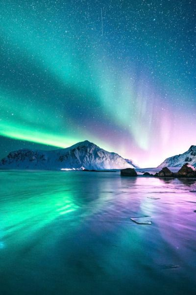 Gorgeous northern lights in Iceland -  Tumblr