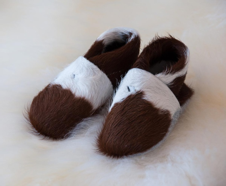 Adorable leather baby booties for your little angel. Lots of natural colours and boys or girls from Gorgeous Creatures.