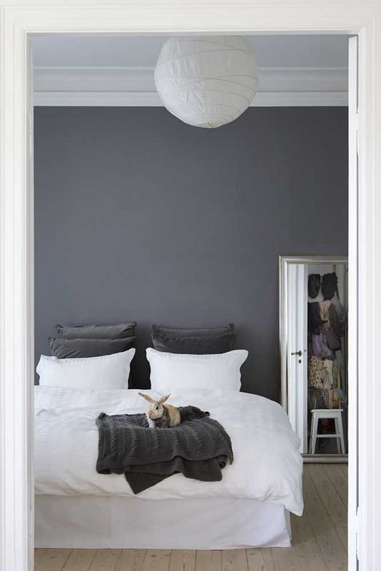 GreyWall Colors, Grey Bedrooms, White Beds, Grey Wall, Wall Colours, Bedrooms Decor, Gray Bedrooms, Gray Wall, Accent Wall