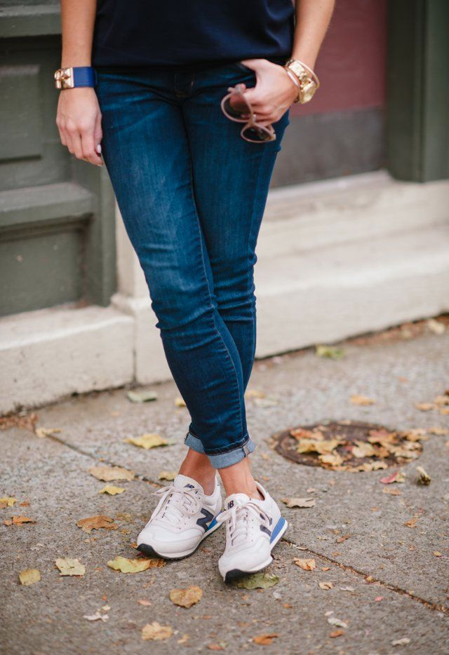 boyfriend jeans with tennis shoes