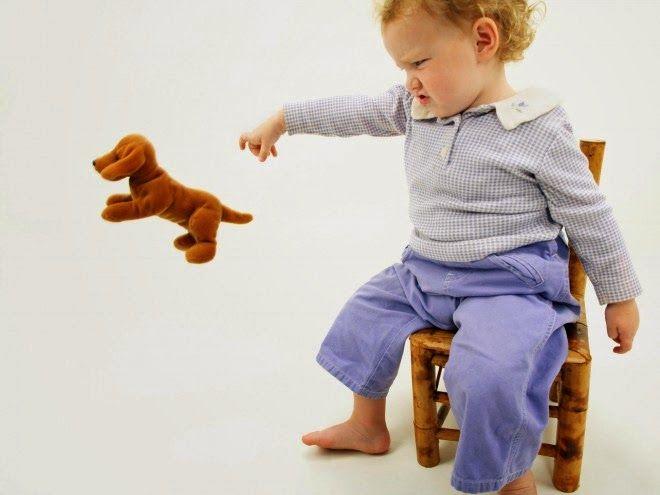 Μικρή Αγκαλιά: Πως θα σταματήσει το παιδί μου να πετάει συνέχεια ...