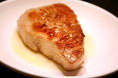 (healthy) seared tuna with lemon garlic sauce