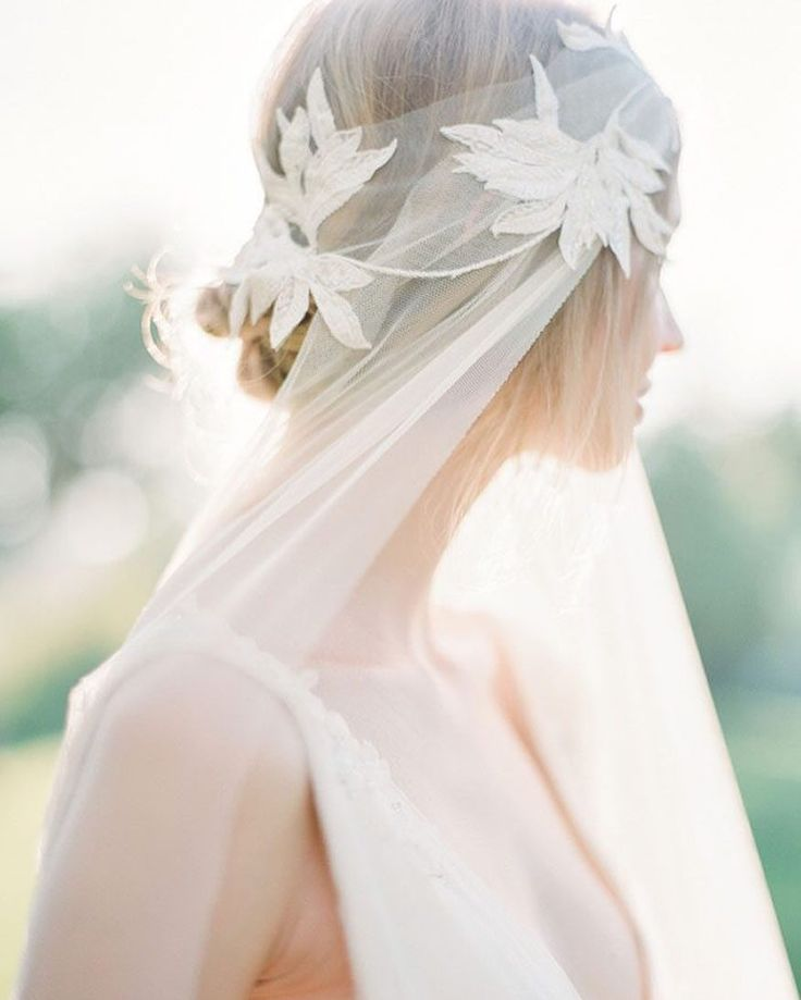 #inspiredby - ove this romantic #headpiece for a chic fall bride!    Photography by @vasiaphotography | Workshop @bohemestudios | Headpiece by @janniebaltzer | As seen on @magnoliarouge