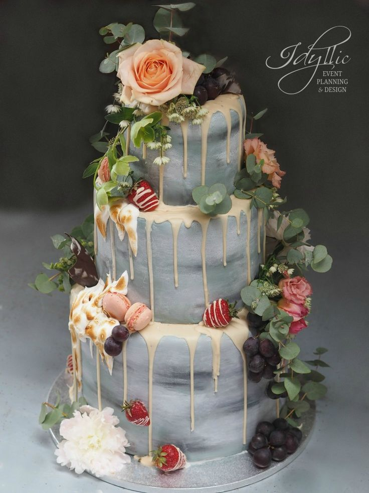 amazing wedding cake by Idyllic Events / tort nunta design special nonconformist