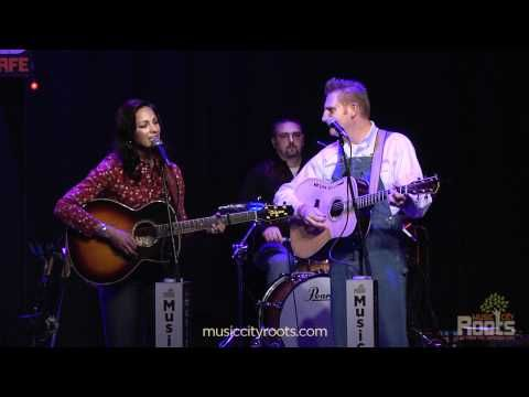 "Joey + Rory ""The Gift"": A beautiful Christmas Song!!!"