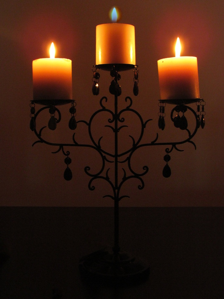 17 best ideas about chandelier centerpiece on pinterest for Picture frame candle centerpiece