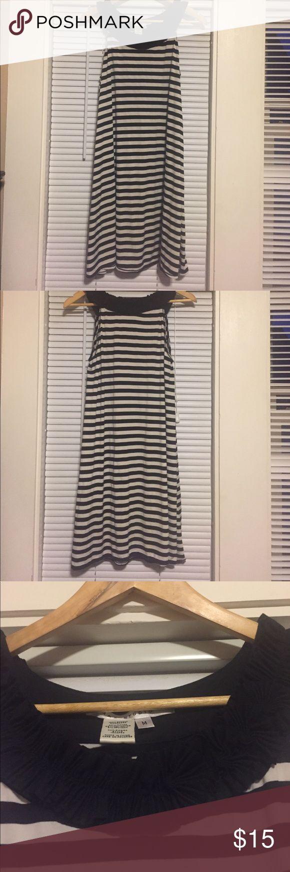 Max Studio Dress /M Max Studio Dress in good condition. Tiny snag shown in last pic. 50% Rayon, 45% Polyester, 5% Spandex. Max Studio Dresses