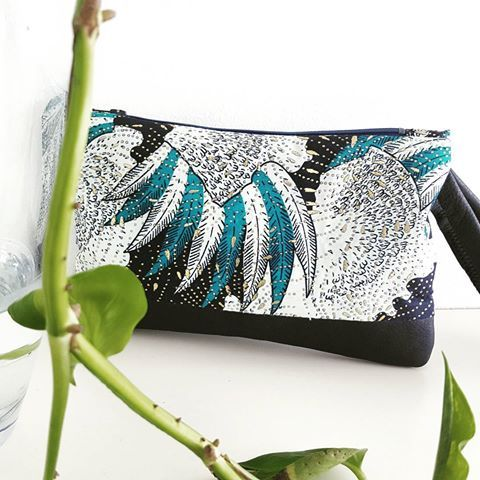 👝B-DAY GIFT !👝  --------------  Contactez-nous pour plus de renseignements : mail ou IG direct   #pochettes #clutchbag #clutch #sac #bag #girls #girly #gift #cadeau #party #fiesta #anniversaire #birthday #cuir #leather #wax #africanprint #vlisco #sunday #funday #createur #creation #brand #madeinfrance #maroquinerie  #vente #paris