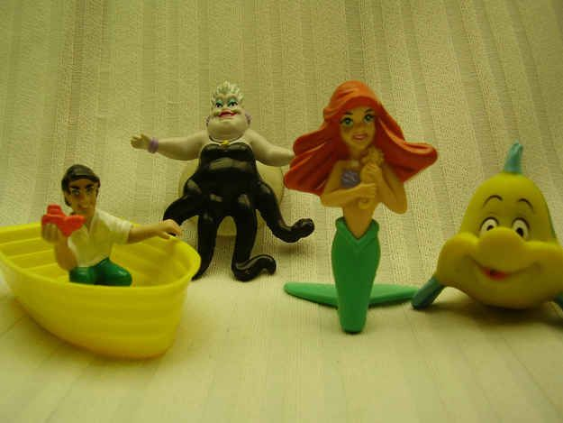The Little Mermaid | 13 Awesome Childhood Toys That Made Bath Time Great @Robin Dean