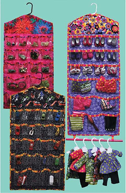 Hang it Up! Organizer Sewing Pattern. llooks easy enough. fabric, clear cover....i might start with a mini size first!