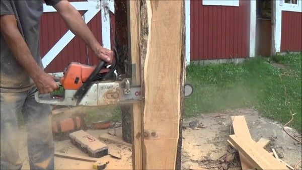 A Clever Way To Turn A Chainsaw Into A Lumber Mill - http://www.homesteadingfreedom.com/a-clever-way-to-turn-a-chainsaw-into-a-lumber-mill/