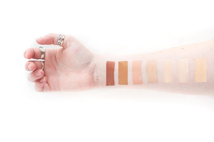 Ever wonder what all our foundation shades look like on fair skin? Wonder no more! Here's a guide to the complete line-up for foundations from Batty's Bath for someone with light tonedskin. Nature's Veil CC Cream Whipped Foundation Mineral Makeup Foundation Learn about each of our foundations by clicking the links above or by hopping …
