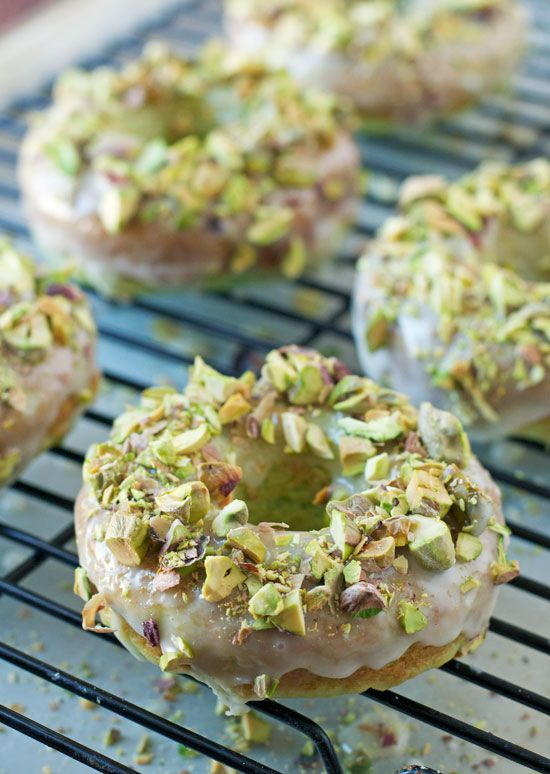 Baked Pistachio Pudding Donuts with Honey Glaze. The color is perfect for Easter brunch. - www.thelawstudentswife.com