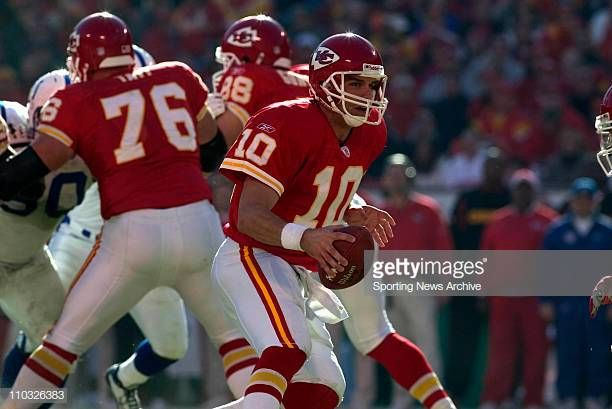 Trent Green Of The Kansas City Chiefs During The Chiefs 38 31 Loss To Kansas City Chiefs Kansas City Kansas