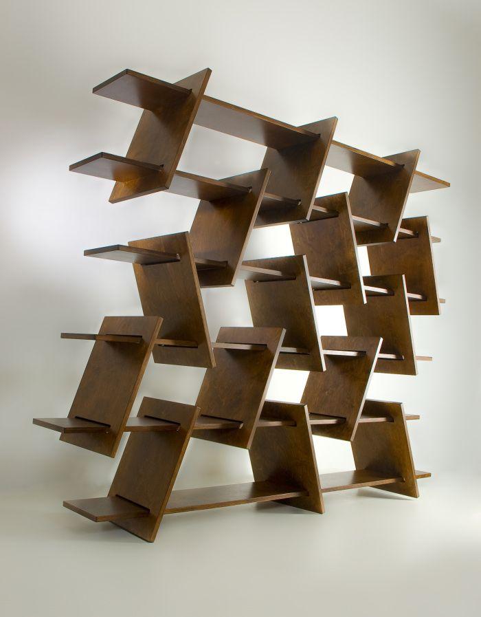 \\ Italic shelf