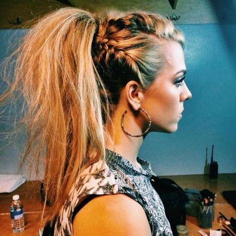 coiffure femme tendance printemps 2015 tresse latérale avec queue de cheval effet décoiffé