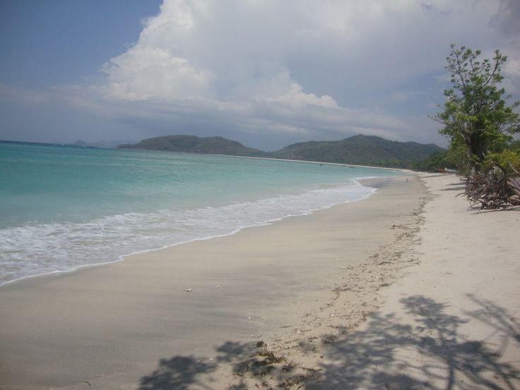 Pantai Jelenga Tempat Surfing Alami di Nusa Tenggara Barat - Nusa Tenggara Barat