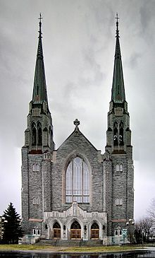 220px-Cathedrale-Ste-Cecile.jpg (220×365)