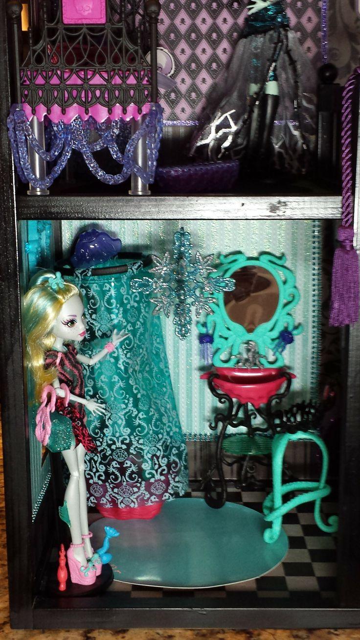 Google themes monster high - Ooak Monster High Dollhouse 1st Floor Bottom Left Theme Lagoona Blue Bathroom