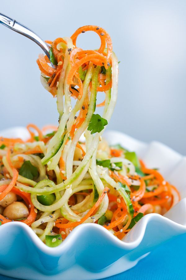 Healthy Spiralized Sweet and Sour Thai Cucumber Salad via Peasandcrayons.