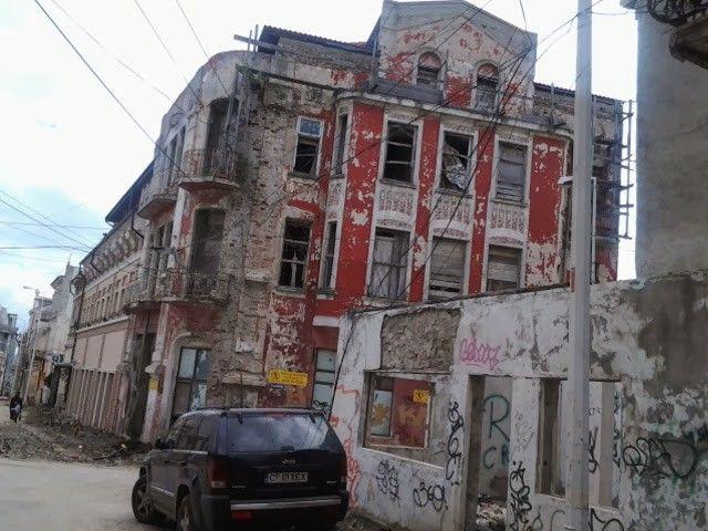 Fosta agenție CFR...și alte ruine din Peninsula sortite pieirii de Primărie
