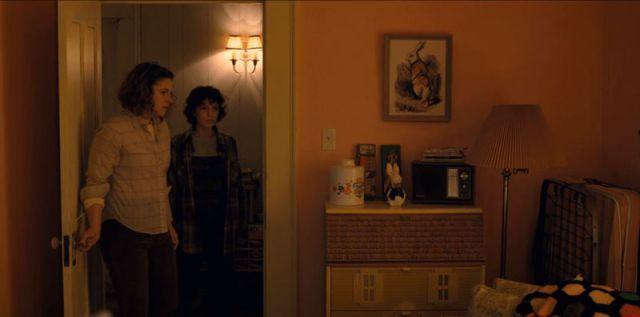 Coelho branco alice stranger things 2 temporada easter eggs referencias referências