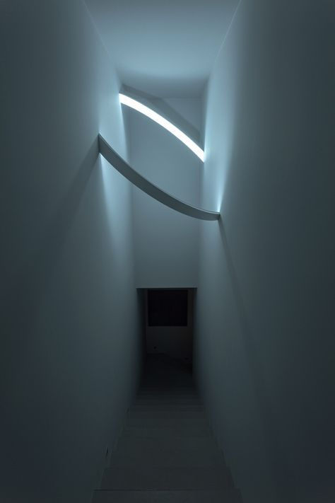 Light circle inside dark sci-fi like feeling staircase