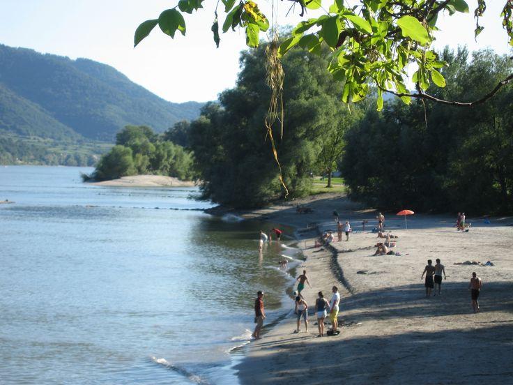 Uma praia às margens do Danúbio na Weißenkirchen, muito rara.