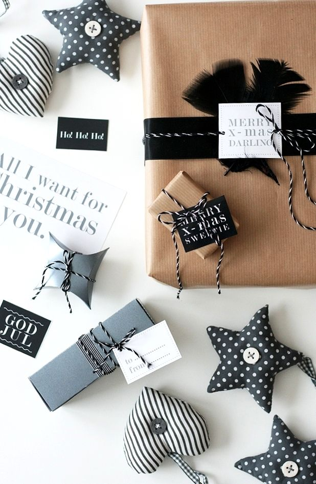 Christmas gift wrapping ideas DIY crafts ToniK ⓦⓡⓐⓟ ⓘⓣ ⓤⓟ Natural black thefabguide.com