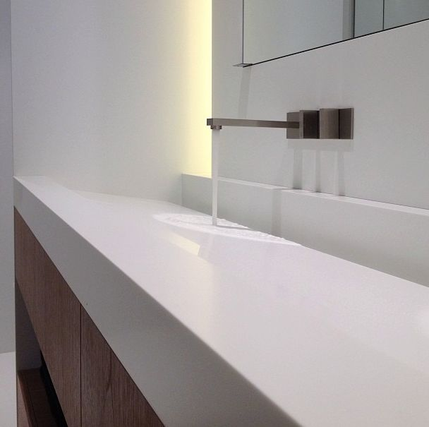 Detail of a custom-made Corian sink by Deco-Lust _